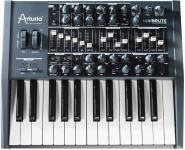 Arturia MiniBrute analogni synth