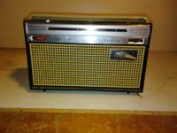 Philips stari radio (1)