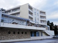 HOTEL UZ MORE, 3000 m2, PARKING, RESTORAN, SOBE, APARTMANI