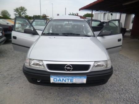 Opel Astra Classic 1,4 ATESTIRAN PLIN DO 2024 KREDIT KARTICE