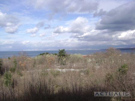 Krk - Malinska  građ.zemljište 1706 m2 (250 m od mora)