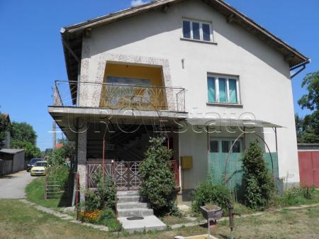 Sračinec: kuća od 268 m2 sa dvorištem + gradilište, sveukupno 3050 m2