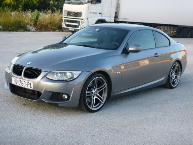 bmw serija 3 coupe 320d lci m paket e92 2011 god. Black Bedroom Furniture Sets. Home Design Ideas
