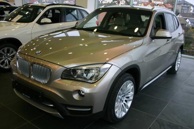 bmw x1 xdrive18d automatik 2013 god. Black Bedroom Furniture Sets. Home Design Ideas