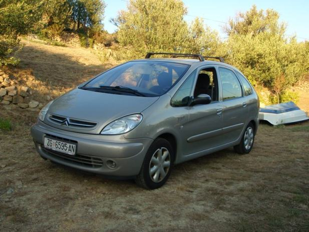 citroen xsara picasso 2 0 hdi exclusive 2003 god. Black Bedroom Furniture Sets. Home Design Ideas