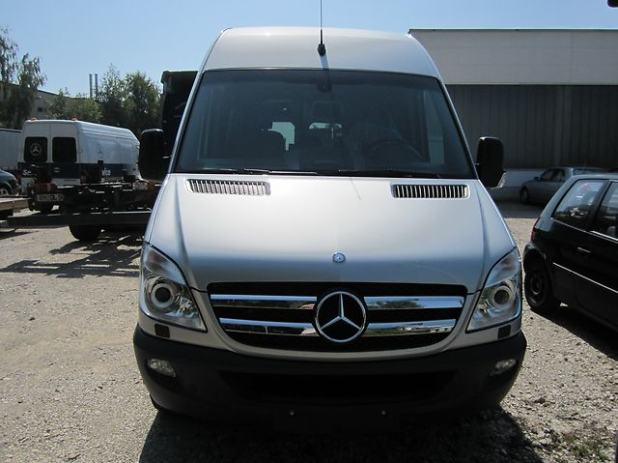 mercedes sprinter sprinter 319 cdi automatik max 2010 god. Black Bedroom Furniture Sets. Home Design Ideas