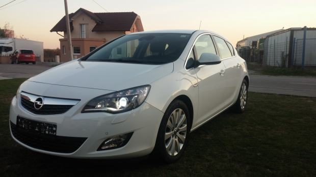 opel astra 1 7 cdti sport 92kw adaptivni bi ksenon 2010 god. Black Bedroom Furniture Sets. Home Design Ideas