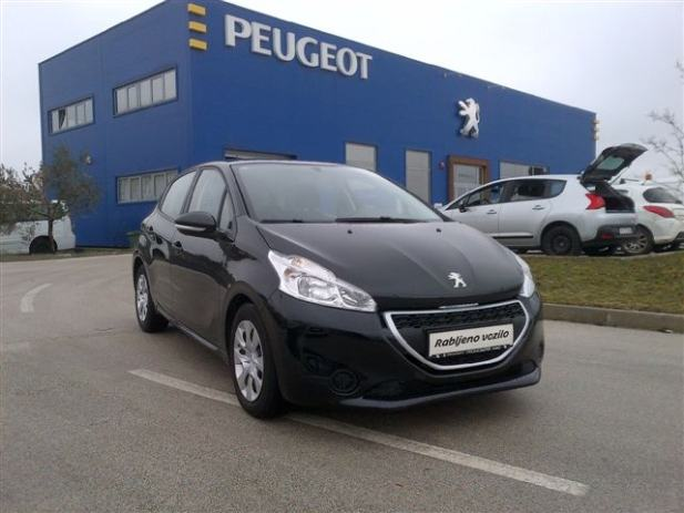 peugeot 208 access 1 4 hdi 2012 god. Black Bedroom Furniture Sets. Home Design Ideas