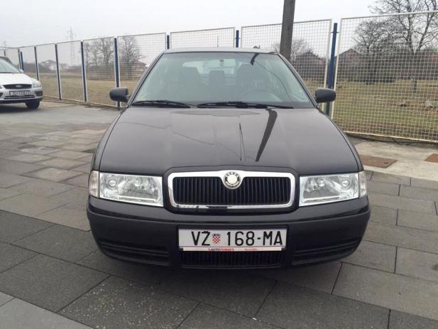Škoda Octavia 1,9 TDI *Reg; 04/2017* *Servisna knjiga* *Veliki servis ...