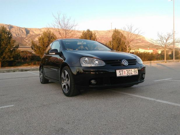 vw golf v 1 6 benzin plin 2004 god. Black Bedroom Furniture Sets. Home Design Ideas