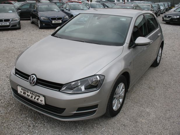 vw golf vii 1 6tdi alu navi 2xpdc aac tempomat 13700. Black Bedroom Furniture Sets. Home Design Ideas