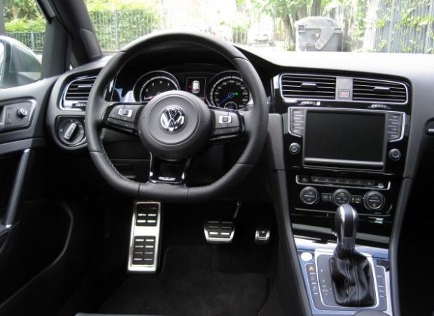 Golf R Dcc >> VW GOLF VII R 300PS 2015 4X4 DSG PANORAMA 19 MAXI OPREMA, 2015 god.