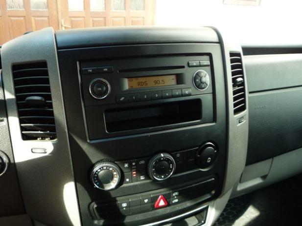mercedes sprinter vw crafter cd radio. Black Bedroom Furniture Sets. Home Design Ideas