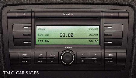 radio sa cd playerom koda octavia 2004 2010 original. Black Bedroom Furniture Sets. Home Design Ideas