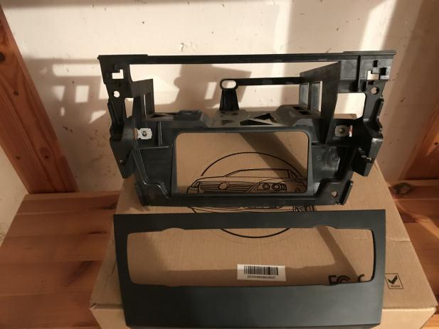 Okvir za radio za BMW e90 original-BLENDA