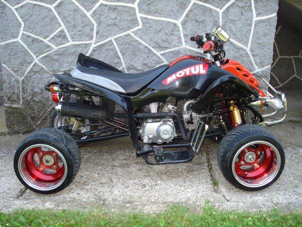 yamaha raptor 150 cm3 moto tuning 2011 god. Black Bedroom Furniture Sets. Home Design Ideas