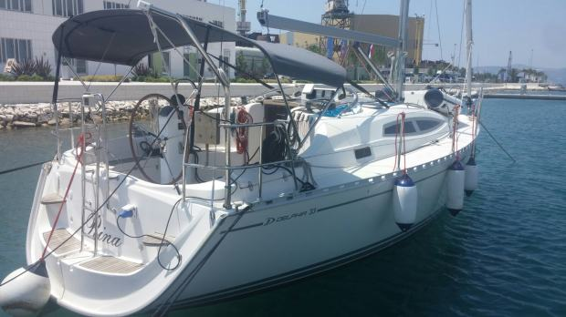 Delphia 33 with swing keel RENT A SAILING YACHT (4+2)