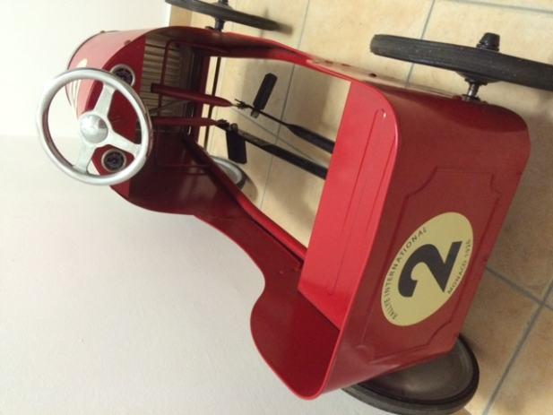 baghera auto macchina a pedali monaco di baghera un bel regalo per bambini baghera auto. Black Bedroom Furniture Sets. Home Design Ideas