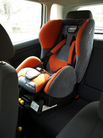recaro young expert plus sa isofix bazom 9 18 kg cijena nije. Black Bedroom Furniture Sets. Home Design Ideas