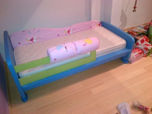 deciji kreveti sa ogradom Dječji krevetić IKEA/MAMUT s dodatnom ogradii zaštitom deciji kreveti sa ogradom