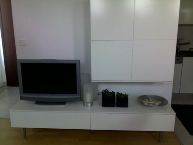 tv komoda i regal ikea. Black Bedroom Furniture Sets. Home Design Ideas