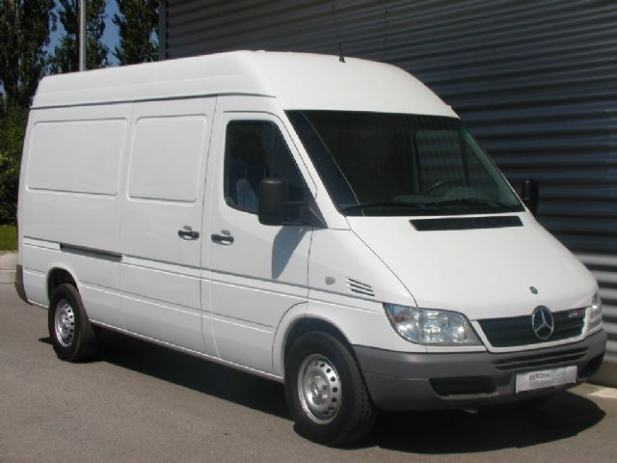 mercedes benz sprinter 211 cdi furgon 2006 god. Black Bedroom Furniture Sets. Home Design Ideas