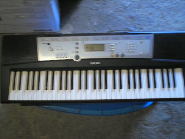 digital keyboard yamaha ypt 200. Black Bedroom Furniture Sets. Home Design Ideas