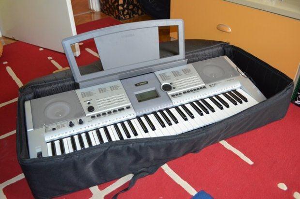 yamaha psr e403 klavijatura syntesizer. Black Bedroom Furniture Sets. Home Design Ideas