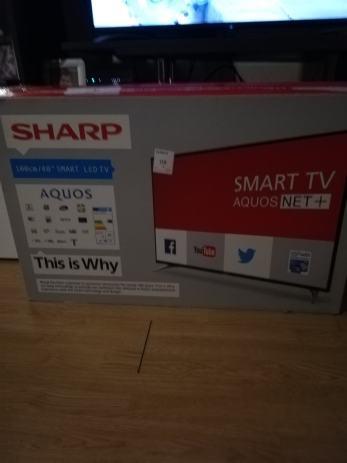 Sharp Aquos smart tv 40