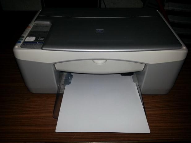 hp psc 1110 multifunkcijski ure aj printer skener kopirka. Black Bedroom Furniture Sets. Home Design Ideas