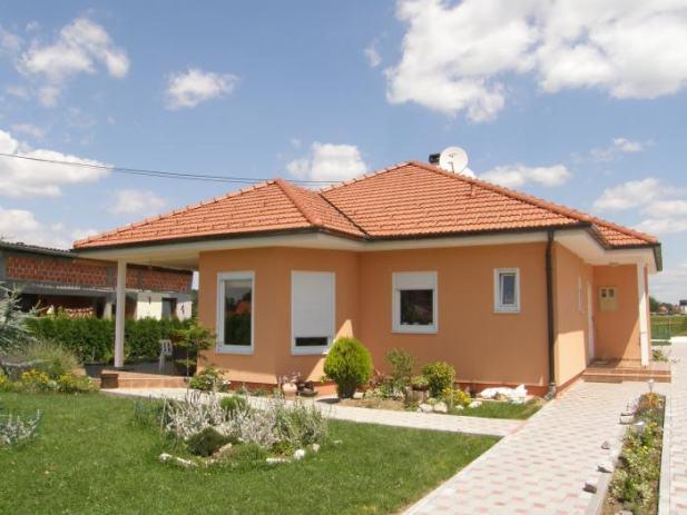 Montažna niskoenergetska kuća: 84 m2 + 11 m2 terasa + 3 m2 ulaz