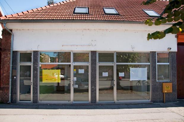 Poslovni prostor: vinkovci, 40 m2 + stan (prodaja)