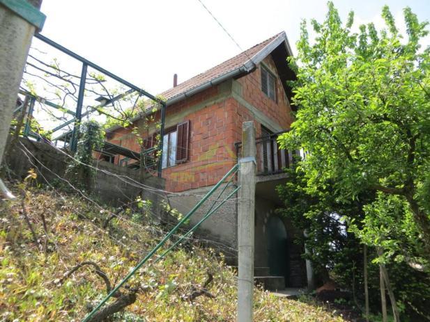 SNIŽENO! Kuća za odmor sa prekrasnim pogledom!!! (prodaja)