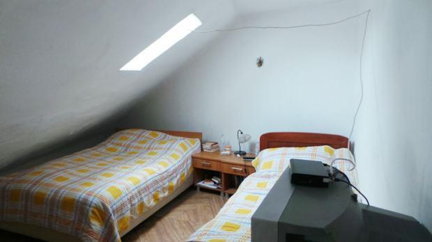 Split, Centar - potkrovni dvosobni stan 58 m2, atraktivna lokacija (prodaja)