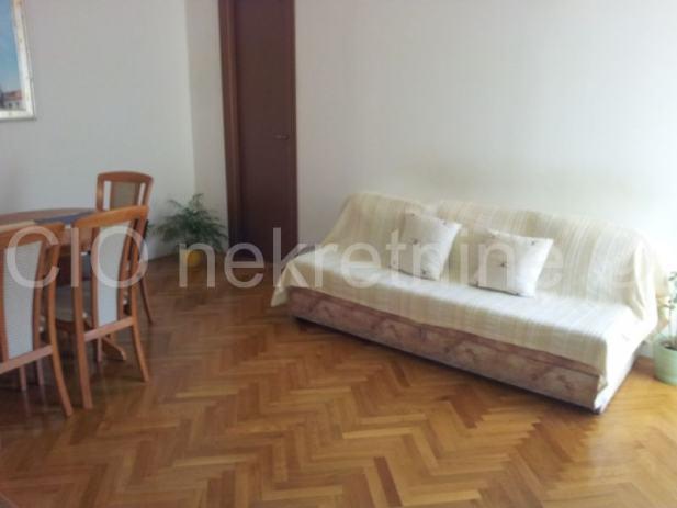 Trosobni stan sa dnevnim boravkom (prodaja)
