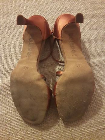 Ženske plesne cipele