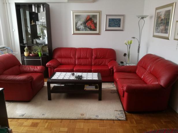 ko na garnitura 3 2 1. Black Bedroom Furniture Sets. Home Design Ideas
