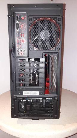 PRILIKA! RYZEN 5 2600X / X470 / GTX 1070 / 16GB RGB / 144HZ MONITOR