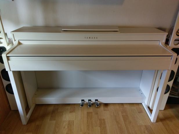 yamaha clavinova clp 430 white. Black Bedroom Furniture Sets. Home Design Ideas