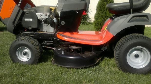 husqvarna lt 154 traktorska kosilica. Black Bedroom Furniture Sets. Home Design Ideas