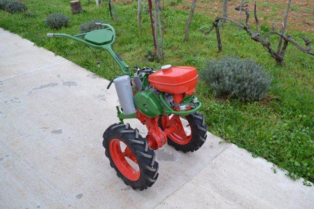 Prodajem motokultivator Imt 506 u odlicnom stanju, ima prikljucak za