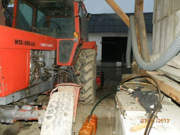 Traktor MTZ 552 (Belarus)