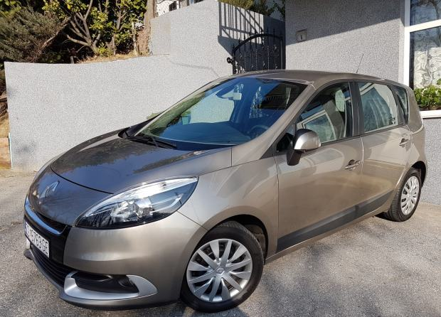 RENT A CAR Renault Scenic 1,5 dci