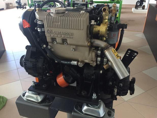 Lombardini focs 502 brodski motor 11 ks 502 motoring