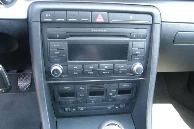AUDI A4 CD RADIO 8E0035186AK 2006