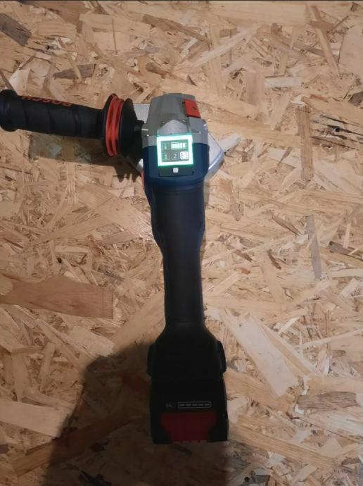 Bosch GWS18V-150SC +8Ah baterija i punjač