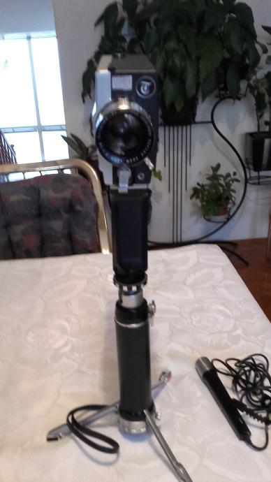 COSINA Supermatic- 8 - vintage kamera sa opremom