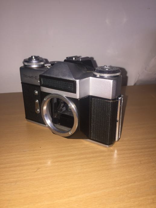 ZENIT-E analogni ruski fotoaparat
