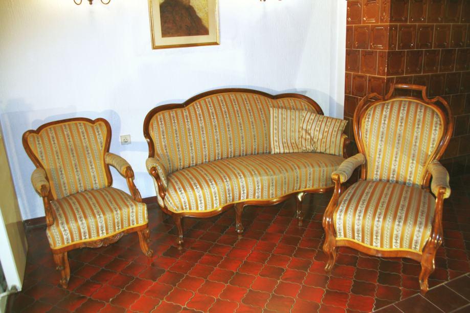 Neobarokni trosjed i dvije fotelje, odlično stanje, iznimno povoljno!