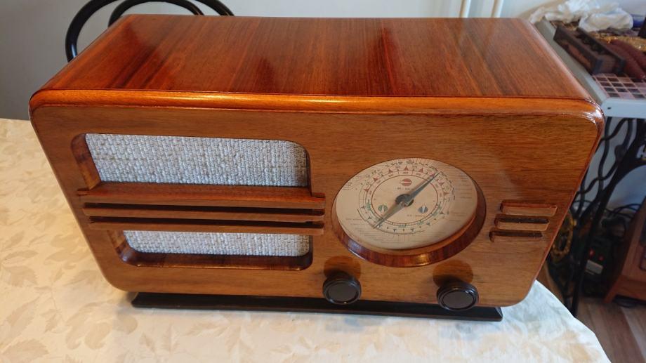 Stari radio KOSMAJ 49, ispravan, restauriran